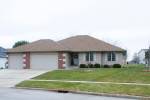 For Sale 1209 Rosewood Dr SW Altoona, IA 50009