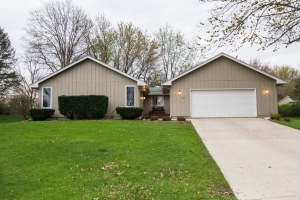 1400 N B St Indianola, IA for Sale
