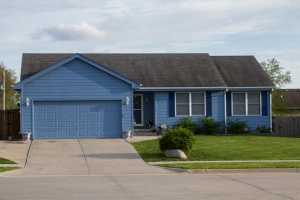 311 3rd St NW Bondurant, IA For Sale!