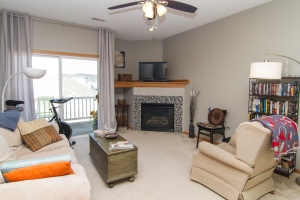 909 7th Ave SE Unit 10 Altoona, IA 50009 For Sale!